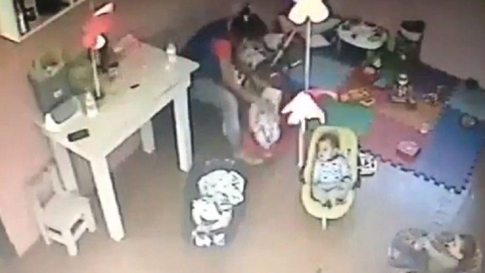 La Plata: ordenaron detener a la maestra que zamarreó a una beba en una guardería