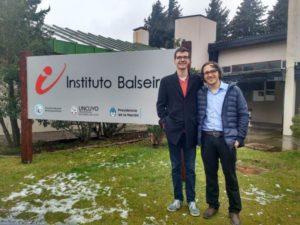 """Norberto Schmidt y Jonathan Ayala, flamantes ingenieros nucleares de Misiones: """"El título es un sueño cumplido"""""""