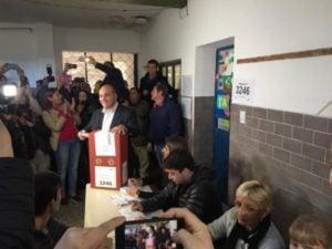 Tucumán: concluyeron los comicios y se espera un final cerrado