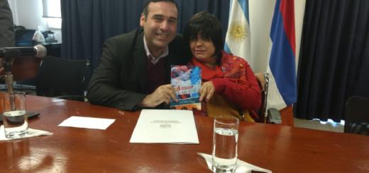 """Desde la Legislatura distinguieron a la escritora Sabrina Matiauda por su obra """"Amor al cal"""""""