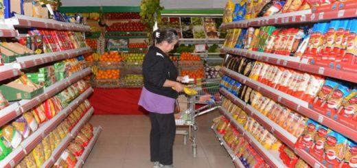 Según el Indec, en abril volvieron a caer las ventas en supermercados y en shoppings