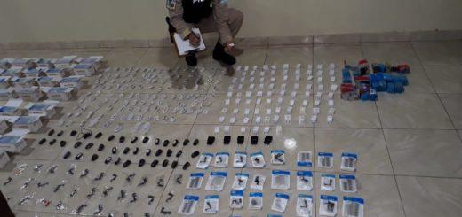 Intentaron evadir los controles, pero la Prefectura los detuvo e incautó millonario cargamento de celulares