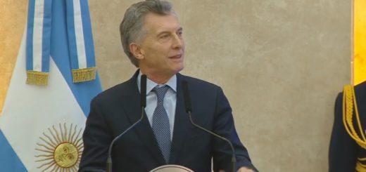 """Macri: """"Vamos a seguir avanzando hacia unas Fuerzas Armadas modernas y profesionales"""""""