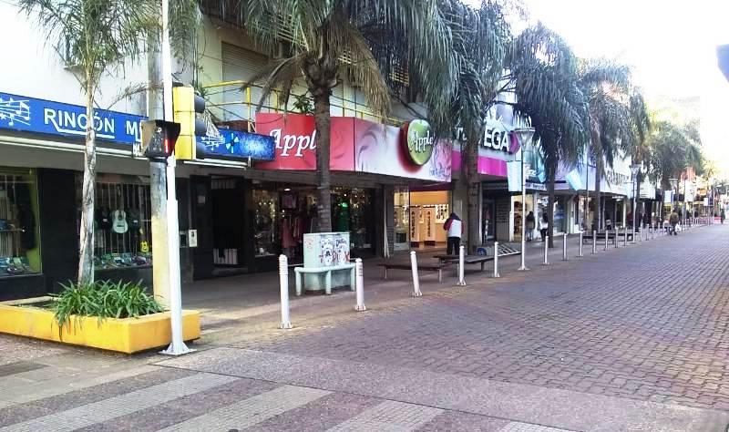 Casi el 100% de los comercios del centro de Posadas abrieron sus puertas en el feriado puente