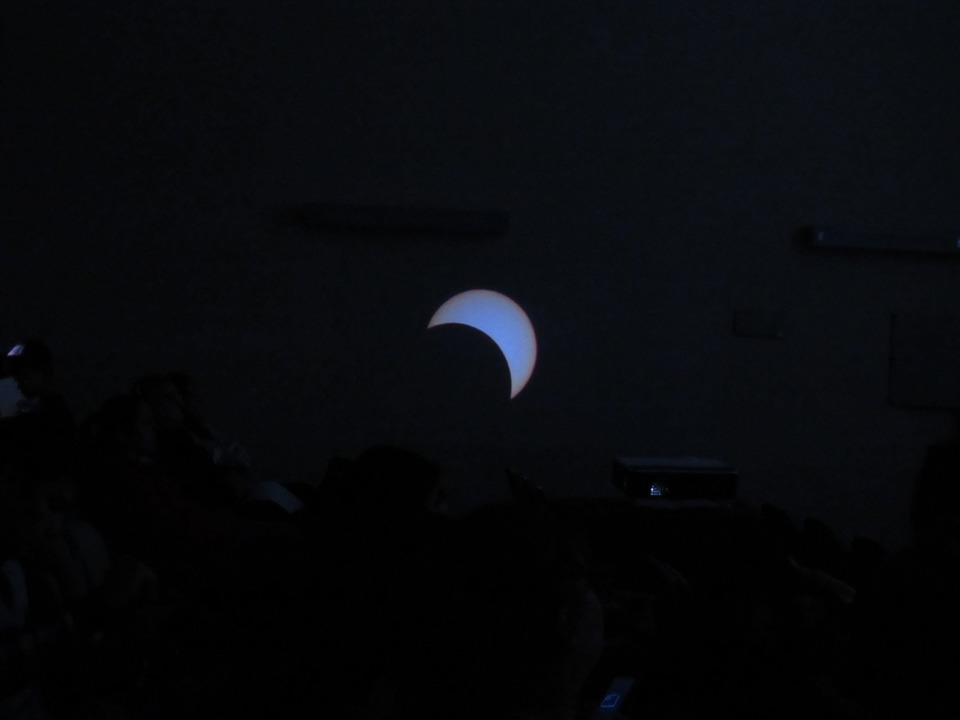 Un eclipse solar deslucido por las lluvias y las nubes en Misiones
