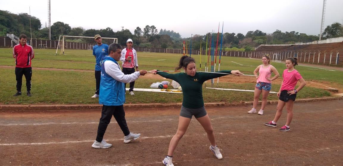 Osorio también brindó campus de jabalina en Ruiz de Montoya y Oberá