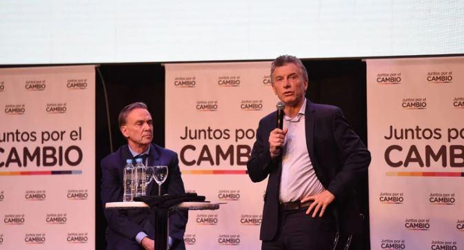 """Macri y Pichetto, en el lanzamiento de campaña: """"Es Juntos por el Cambio o volver 25 años para atrás»"""