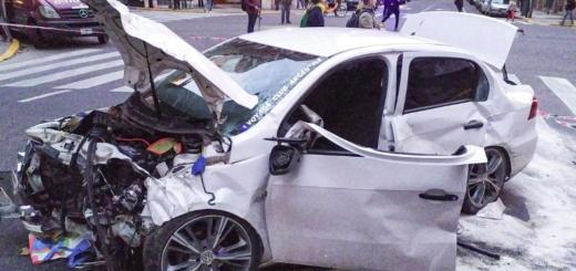 Un policía alcoholizado cruzó un semáforo en rojo y provocó un choque múltiple