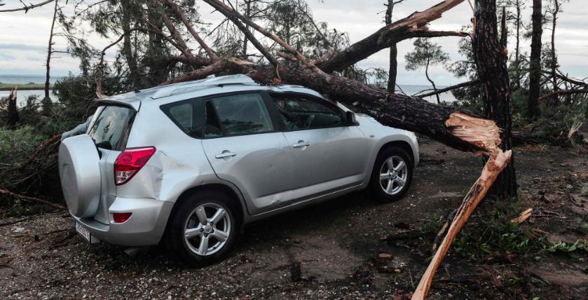 Una tremenda tormenta de granizo dejó seis turistas muertos y decenas de heridos en Grecia
