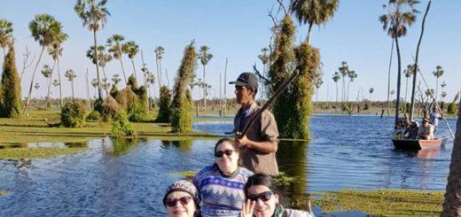 Herederos de saberes: Carlos Maldonado creció entre la naturaleza del Bañado La Estrella y hoy con su familia son pioneros en turismo rural