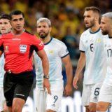 """Scaloni cargó contra los árbitros y el VAR: """"Jugamos contra ocho tipos de negro"""""""