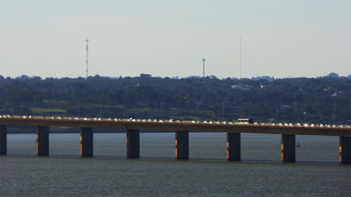 Luego del fin de semana largo, hay que volver: el Puente Internacional repleto de vehículos