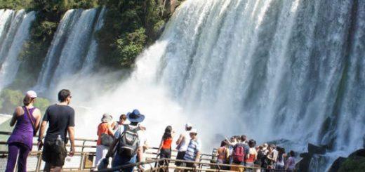 Alrededor de un millón de turistas viajarán por el país este fin de semana