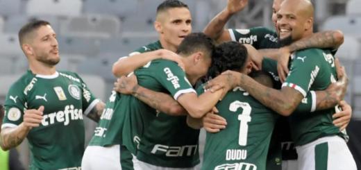 Pánico en el vuelo de Palmeiras: por el viento Zonda, tuvo dos intentos fallidos de aterrizaje en Mendoza y se desviaron a Rosario