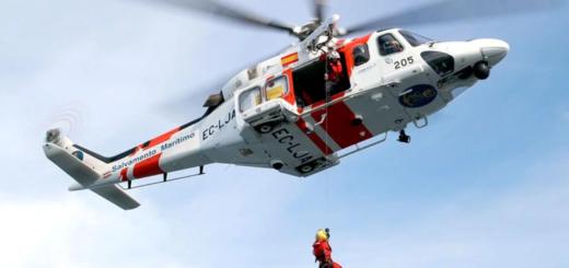 Rescataron a siete nenes que estaban a la deriva en mar abierto con un operativo contrareloj