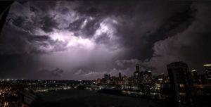 Buenos Aires: diluvio, tormenta eléctrica y corte de luz