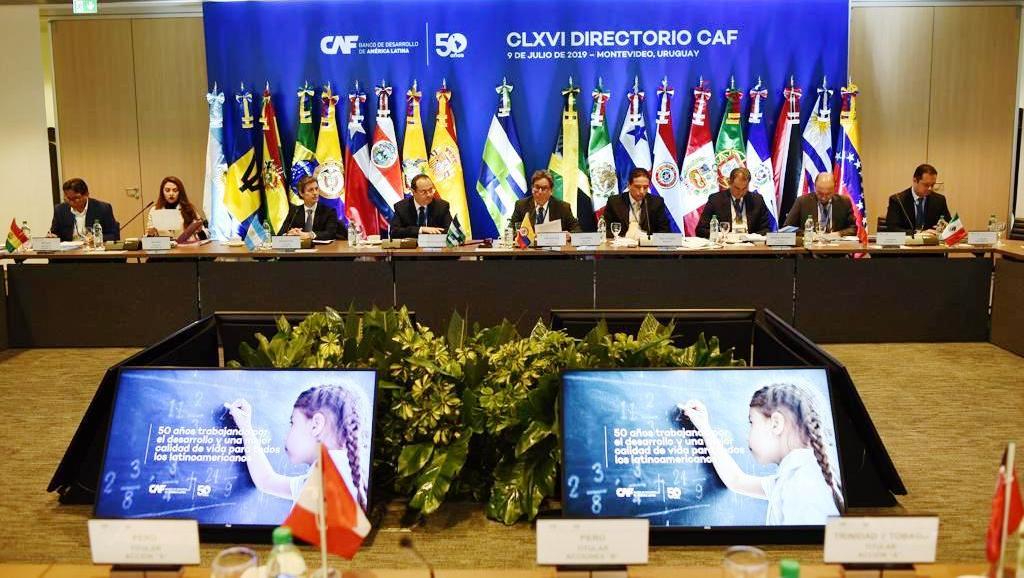 Aprobaron financiamiento por 400 millones de dólares para obras de infraestructura que promueven el crecimiento económico y la educación en Argentina