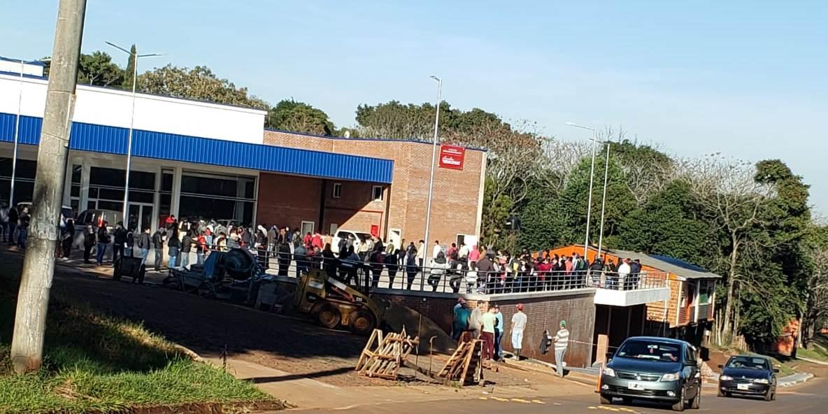 Cientos de eldoradenses en busca de trabajo respondieron a la convocatoria de un supermercado próximo a abrirse