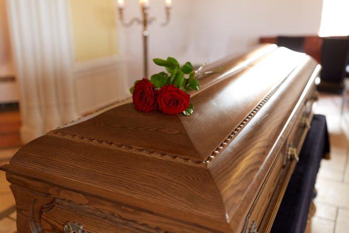 Por un error en el hospital, una familia veló y enterró un cuerpo equivocado