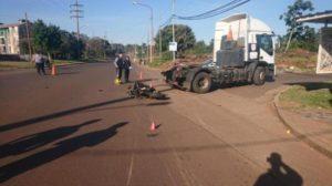 Posadas: un choque entre un camión y una moto dejó como saldo una persona herida