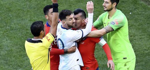 Se conoció qué dice el informe que presentó el árbitro sobre las expulsiones de Messi y Medel