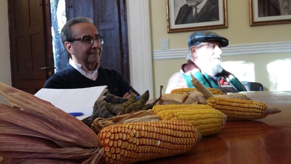 Agricultores y profesionales analizaron con el vicegobernador Herrera Ahuad un proyecto de ley para proteger semillas nativas y criollas