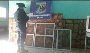 San Ignacio: la Policía recuperó ventanas de aluminio robadas días atrás de una casa en barrio El Progreso