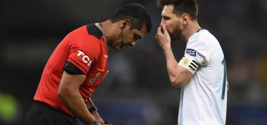 """Messi le apuntó al arbitraje: """"Se cansaron de cobrar boludeces en esta Copa América y hoy nunca fueron al VAR"""""""