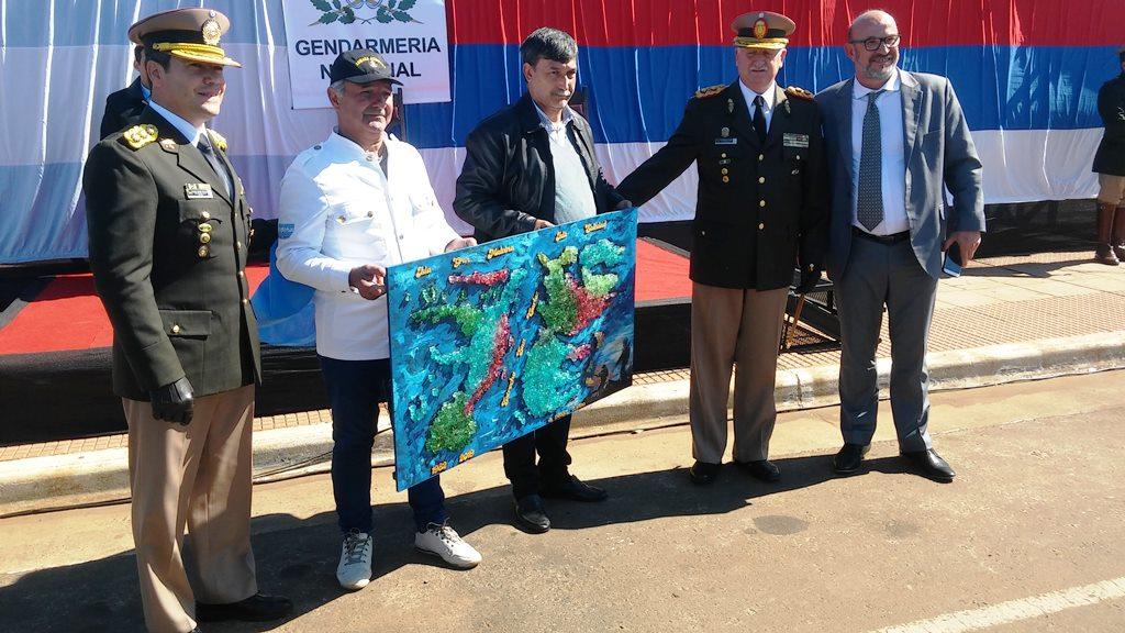 Gendarmería celebró sus 81 años con un desfile en la Costanera de Posadas