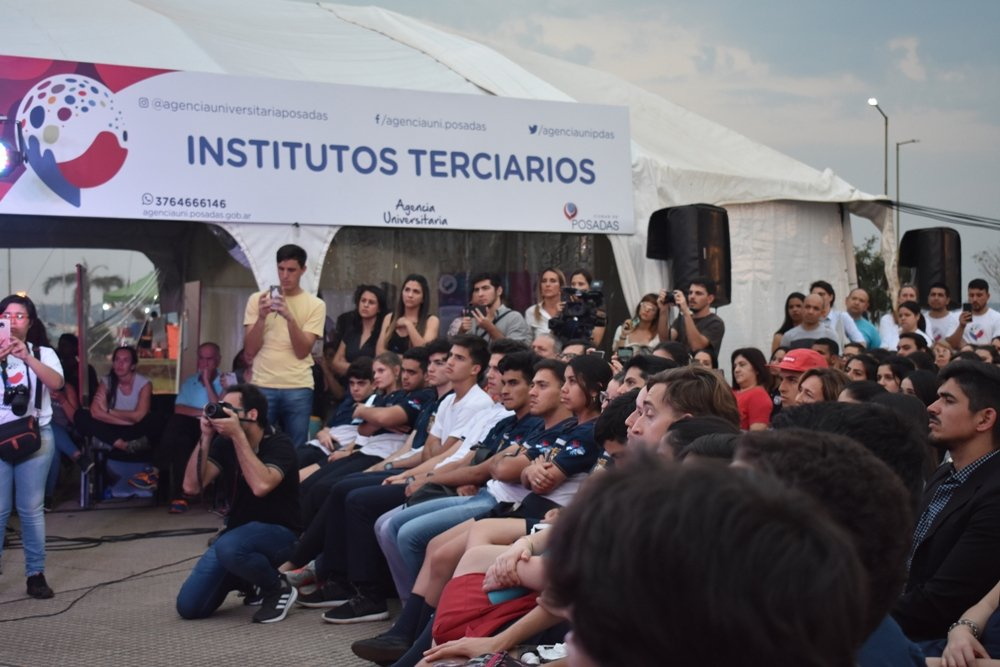 """Facundo Manes dejó un mensaje a los jóvenes: """"No existe mejor acción que la relación humana, directa y no a través de una pantalla"""""""