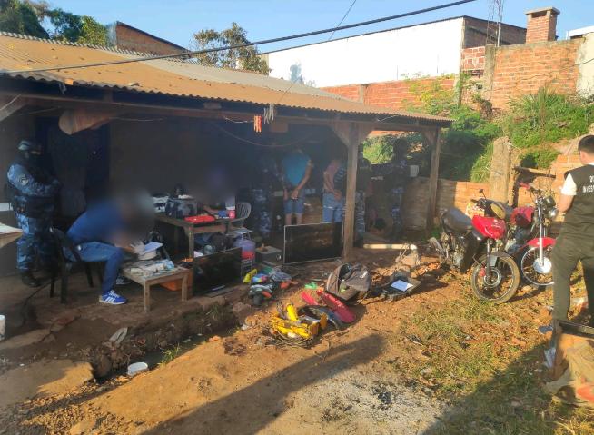 La Policía de Misiones desbarató un aguantadero narco en Iguazú: hay cinco detenidos