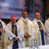 Monseñor Martínez dijo que quienes acusan a Francisco de meterse en la política nacional no entienden la misión del Papa