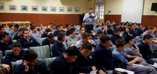 #ConectateAUnLibro, la iniciativa que fomenta el hábito de la lectura entre los jóvenes estuvo en el Liceo Storni