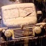 Su camioneta quedó atrapada en la nieve y salieron a pedir ayuda: los encontraron muertos