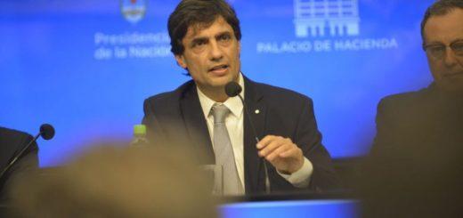 """El Gobierno anunció que """"pateará"""" los vencimientos de la deuda con privados y renegociará los vencimientos con el FMI"""