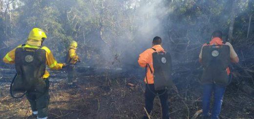 Pese a la alerta por el riesgo de incendio, denuncian que las personas siguen utilizando el fuego como herramienta de limpieza