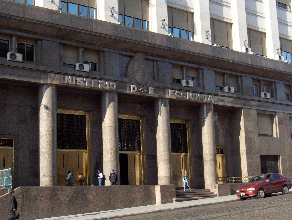 Gobierno nacional recompró bonos y redujo en u$s12.810 millones deuda en dólares