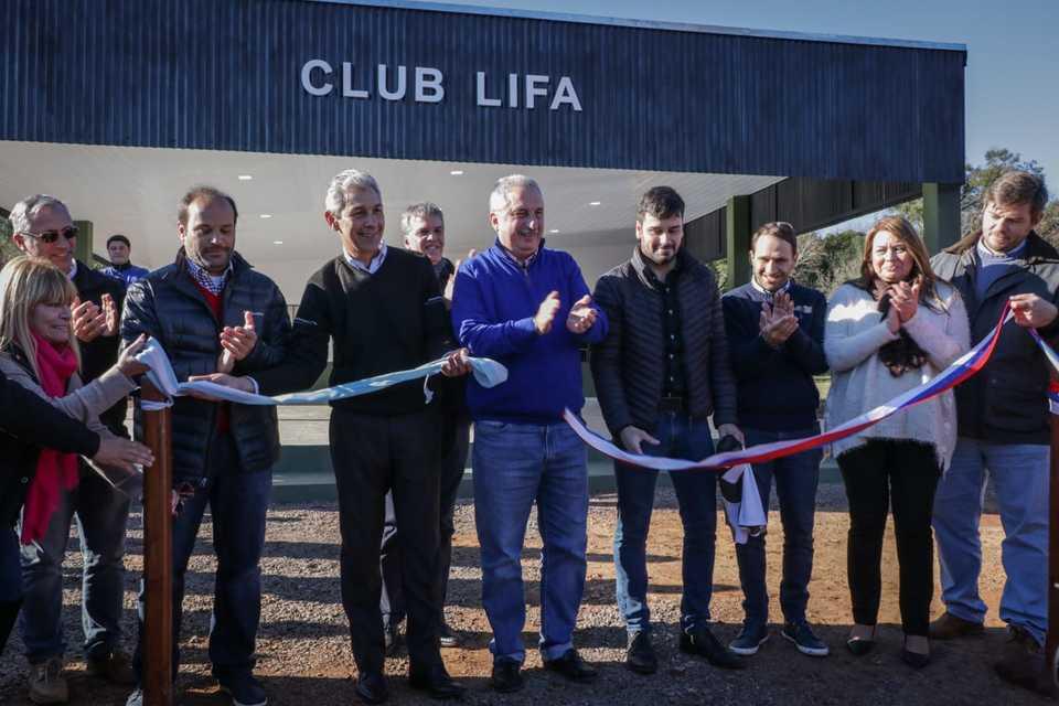 Passalacqua inauguró el predio deportivo de la LIFA y el escenario alternativo de la Fiesta del Inmigrante en Oberá