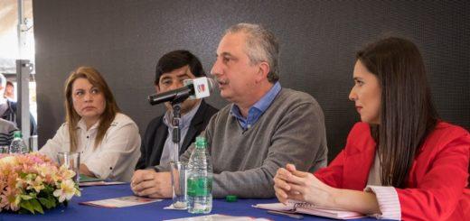 Passalacqua y Losada abrieron oficialmente la cuarta edición de la Expo Posadas Universitaria