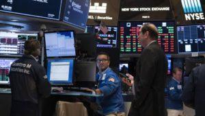 Los bonos argentinos y papeles de empresas del país se desplomaron en Wall Street