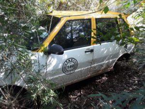 Garupá: denunciaron el robo de un taxi que luego fue hallado en un malezal
