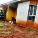 Posadas: bomberos sofocaron llamas de un incendio en Villa Bloset