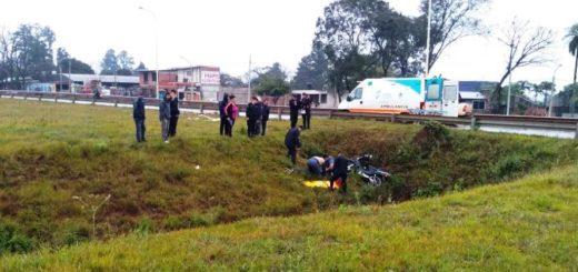 Choque entre auto y moto en el Acceso Sur de Posadas dejó un herido