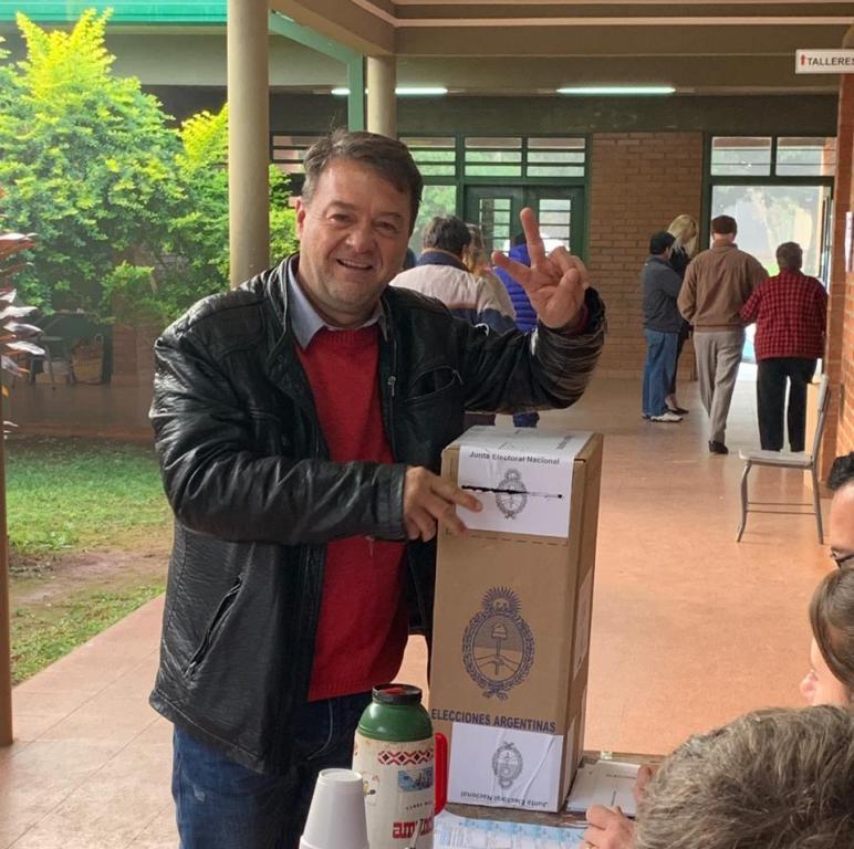 #PASO2019: «El clima ayuda en la zona rural y define la participación», aseguró Cacho Bárbaro al emitir su voto
