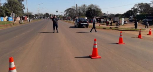 Manifestantes cortan la avenida Cabo de Hornos