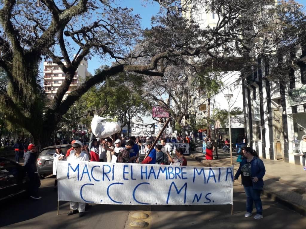 Jornada nacional de lucha: en Posadas salieron a la calle contra las políticas económicas de Mauricio Macri
