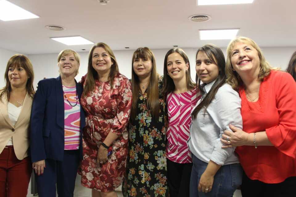Presentaron «Verdandi», la obra que marca el compromiso de la mujer con la comunidad