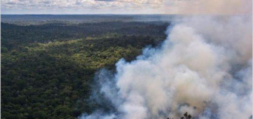 El humo del incendio del Amazonas ingresaría el jueves a Misiones