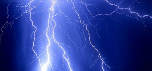 Lluvia, granizo y descarga eléctrica: la tormenta de Santa Rosa llega a Misiones durante la madrugada de este sábado