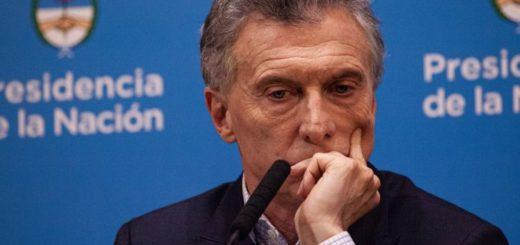 """Pedirle al Central que intervenga con """"más fuerza"""" para controlar el dólar, entre las medidas que analiza Mauricio Macri"""